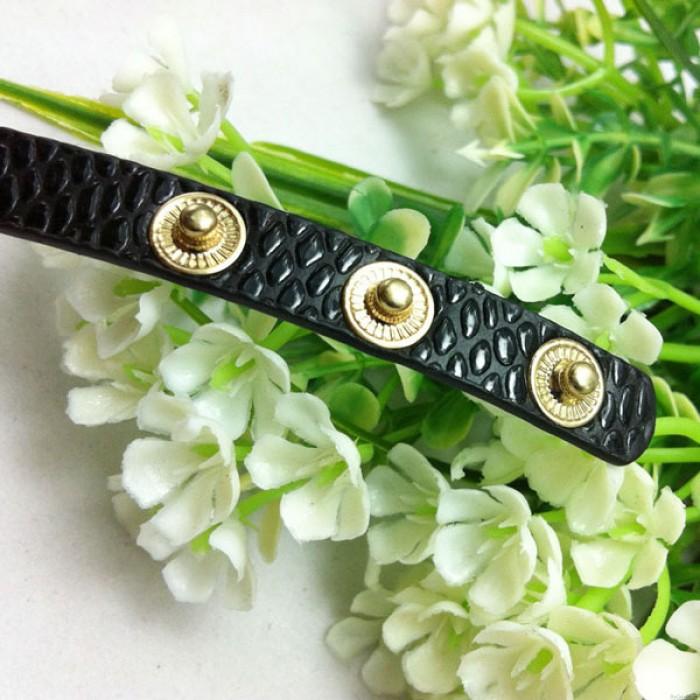 Plein Strass Cuir Métal Bracelet Regardez