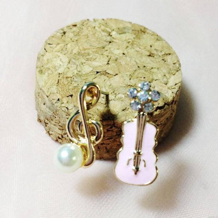 Sucré musique Note Perle Guitare mignon asymétrique Boucles d'oreilles diamant