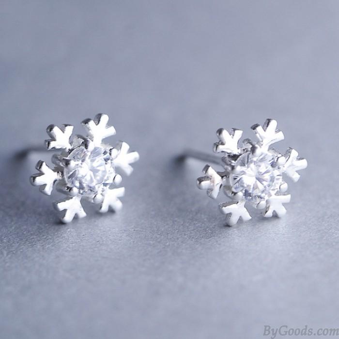 Goujons en forme de flocon de neige argenté à la mode