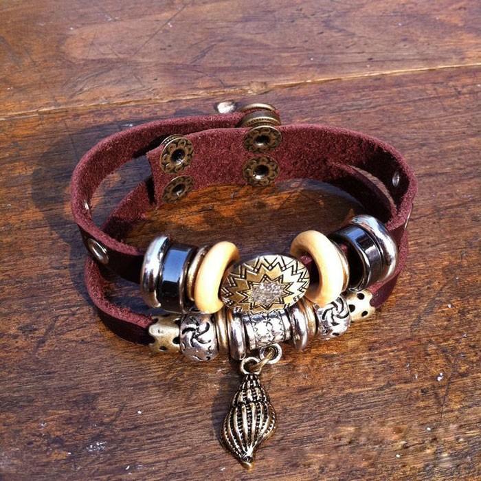 Retro Conch Rhinestone Leather Bracelet