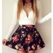 Vestido mini de manga larga floral en V profundo