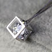 Collar de cristal cuadrado de plata esterlina