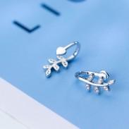 Fresh Earless Hole Silver Leaves Clip de pendiente de diamante de hoja de mujer