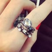 Personalidad Cuatro Pieza Diamante de imitación Aleación Índice Dedo anillos