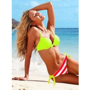 Colores fluorescentes de manera atractivo del traje de baño del bikini