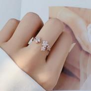 Único Brillante Diamante de imitación flores anillo