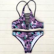Bikini con estampado de flores sin espalda Bikini hueco