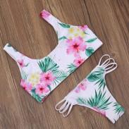 Bikini con estampado de sujetador y traje de baño con flor de pino