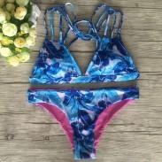 Conjunto de bikini estampado con hojas de plátano azul de moda