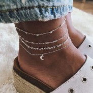 Accesorios simples para el pie Conjunto de 4 piezas de aleación de luna para mujer Tobillera de múltiples capas de personalidad