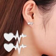 Electrocardiograma del latido del corazón de las mujeres románticas Aretes Amor de corazón Pendientes Studs