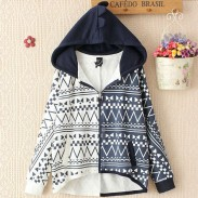 Ocio patrón de Geometri con capucha de algodón de manga Batwing abrigo