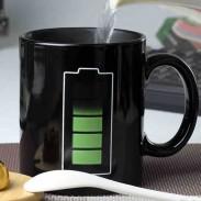Taza creativa de la descoloración del calor del patrón de la batería del regalo