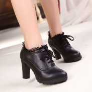 Zapatos De Tacón Alto De Cuero De Chalaza Del Cordón
