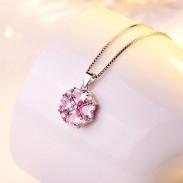 Collar elegante de plata de clavícula de regalo de San Valentín Collar colgante de cristal con forma de corazón de amor
