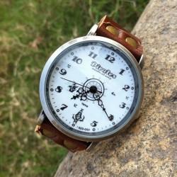 Reloj retro de cuero con timón pirata