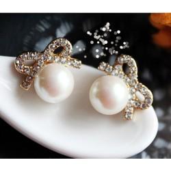 Moda Elegante Grande Perla Arco Aretes Semental