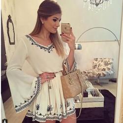 Falda corta con bordado retro Vestido con cuello en V blanco Falda corta