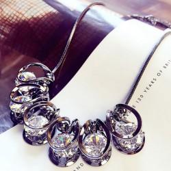 Brillante collar de cadena de suéter de clavícula de lujo colgante de forma geométrica diamante geométrico