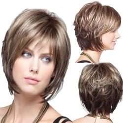Nuevas pelucas de cabello de niña de cabello ligeramente rizado medio desordenado realista