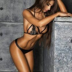 Halter sexy ahuecado ver a través de bordado Lencería de encaje con escote en V de la dama sin respaldo
