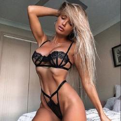 Conjunto de sujetador de encaje negro sexy Ropa interior de malla Sling Lencería femenina