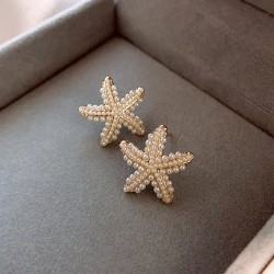 Linda estrella de mar con incrustaciones de perlas, joyería oceánica para sus aretes de plata de verano para mujer