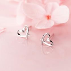 Mini joyería de corazón de amor dulce para niña Pendientes de plata de amor hueco simple romántico Pernos prisioneros