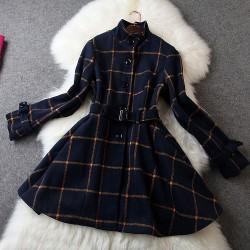 Vestido de cinturón de lana con diseño de rejilla clásica fresca
