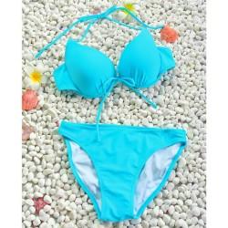Azul atractivo con el arco Reunir traje de baño bikini