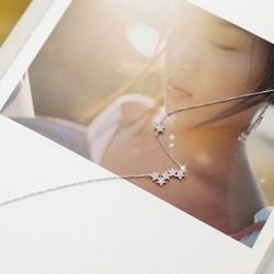 Lindo Pentágono Stars Clavícula cadena corto dorado mujer collar
