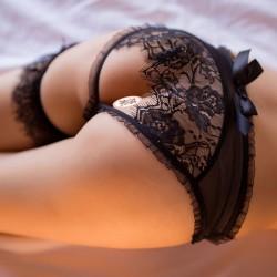 Bragas de encaje sexy Ropa interior Malla Espalda abierta Pantalones de arco Lencería