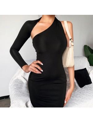 Vestido largo de fiesta negro irregular de manga larga de moda