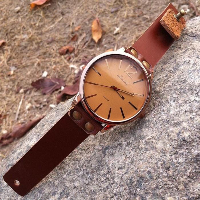 Reloj generoso de cuero de vaca de cuero retro hecho a mano