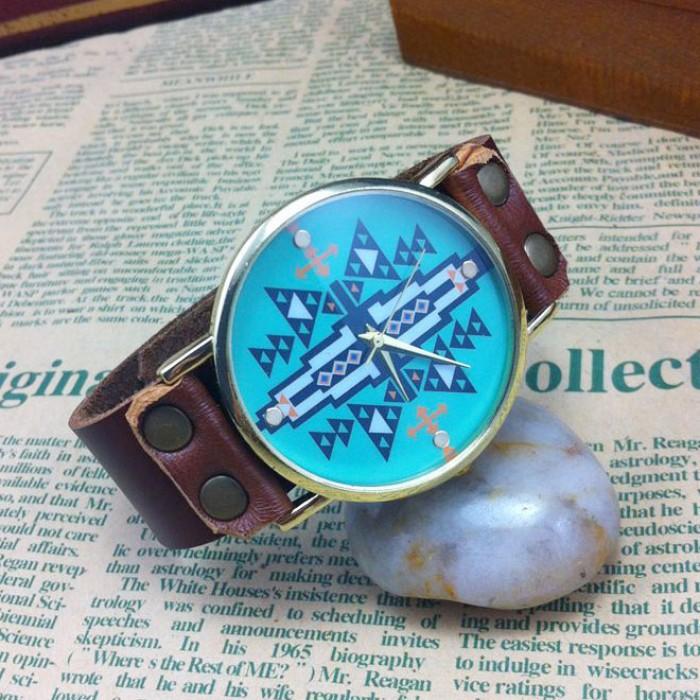 Reloj de forma geométrica original retro