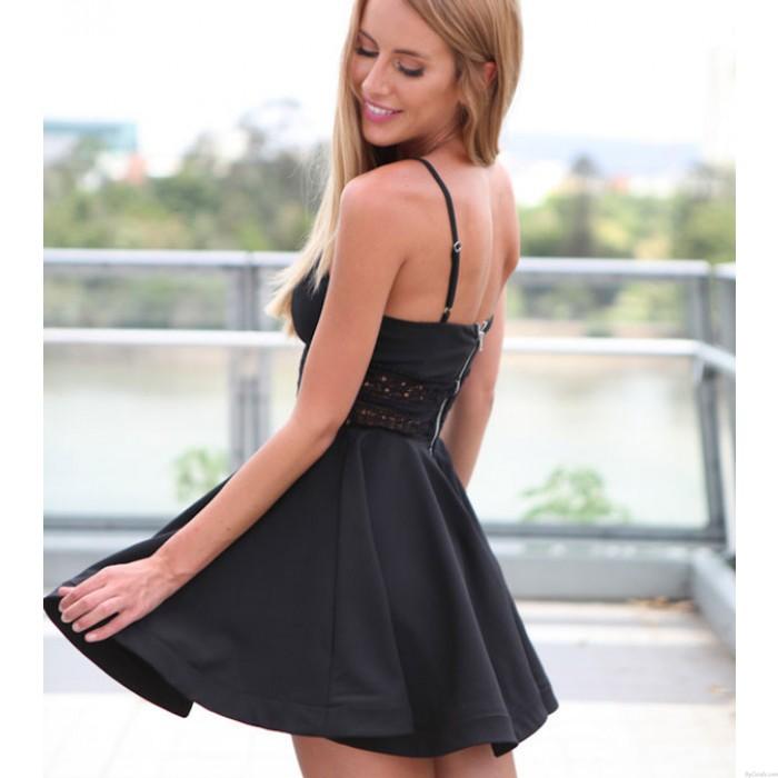 Tirantes de encaje sexy con cuello en V Vestido de dama negro de verano