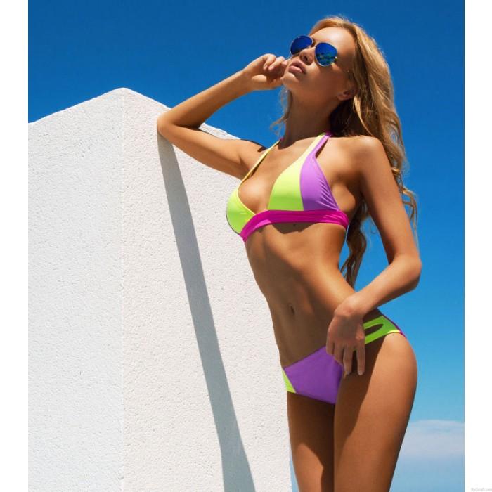 Traje de baño bikini traje de bikini de color fluorescente claro morado y luz fluorescente