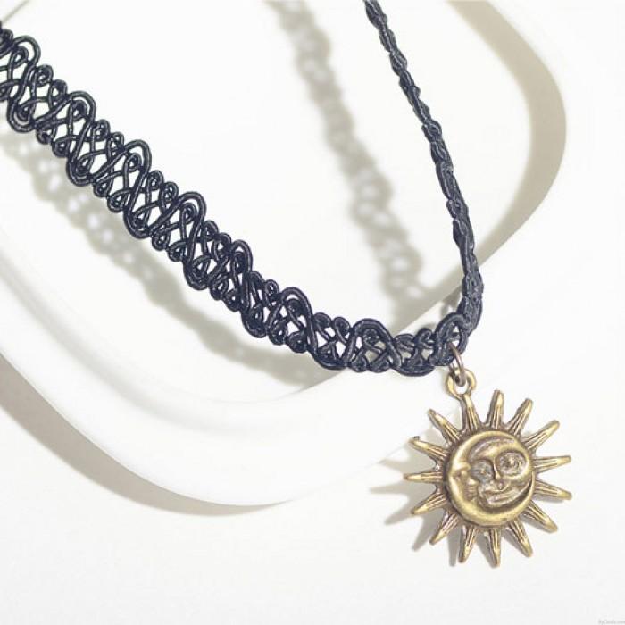 Clavícula retro Sun Moon colgante tejido collar