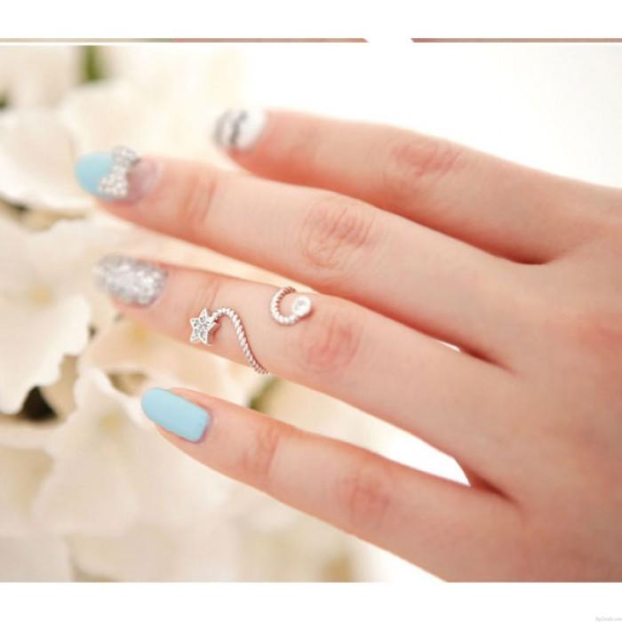 Único Brillante Diamante de imitación Flor Espiral pentagrama anillo