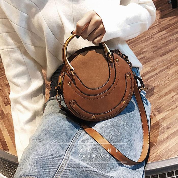 Bolso redondo pequeño de diseño único Bolso de cosido helado Bolso de hombro para mujer