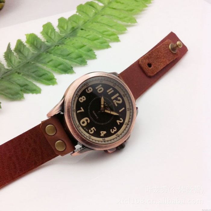 Handmade Multi-scale Retro Leather Watch
