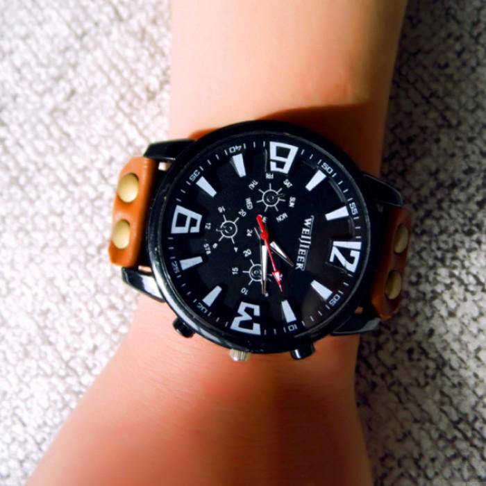 Fashion Big Dial Leather Sports Watch