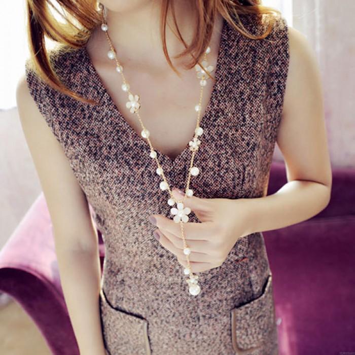 Collar largo de cadena suéter de flores románticas