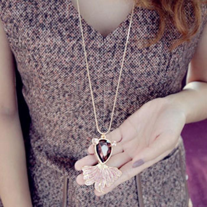 Precioso vestido de suéter de diamantes de imitación collar