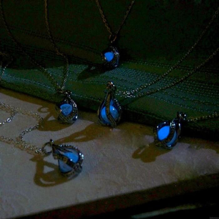 Collar plateado original brillante de la gota de la bola de la perla que brilla intensamente plateada