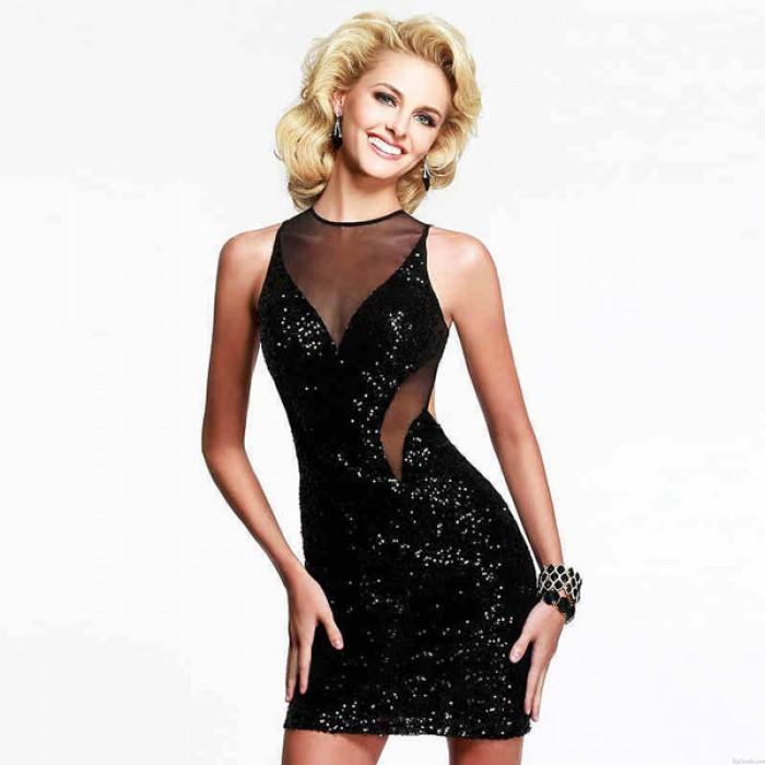 Vestido negro sin espalda con lentejuelas y baile nocturno