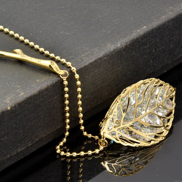 Elegante Joyería Hueco Salir Cristal Colgante Rama Suéter Collar