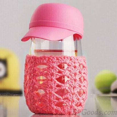 Kreativer netter Hut gestrickte Oberbekleidung transparente Glasschale