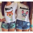 Karikatur-beste Freunde, die Absatz-Kurzschluss-T-Shirt drucken