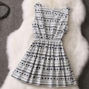 Geometrie und Wellen-Punkt-MusterÄrmeln Kleid